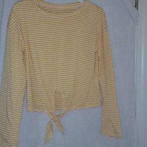 Junior's size large top